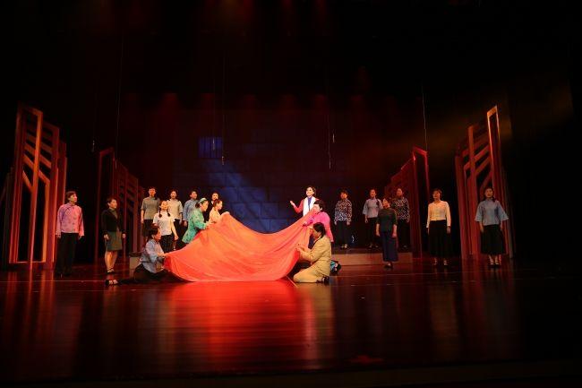 同济女教授室内合唱团在上海女教师综艺展演中获最佳风采奖